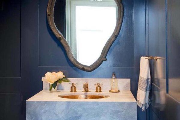 navy-blue-powder-room-marble-washstand-gold-sink