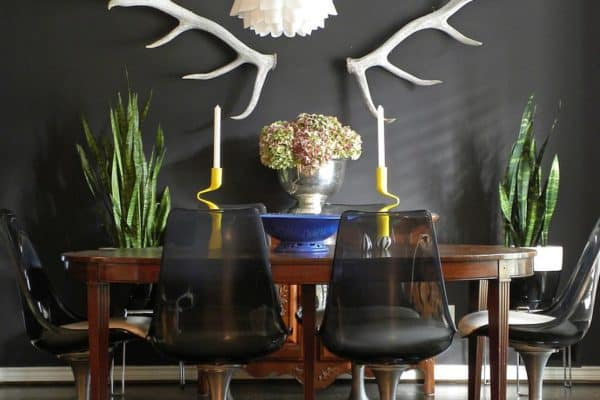 Eclectic-dining-room-with-dark-refined-appeal