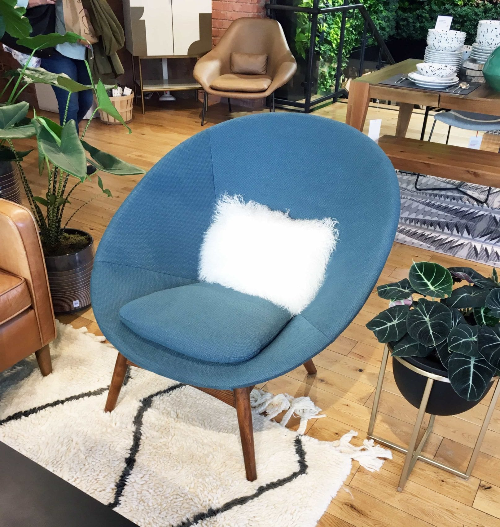 Speedy tour of west elm tottenham court road interior for West elm yellow chair