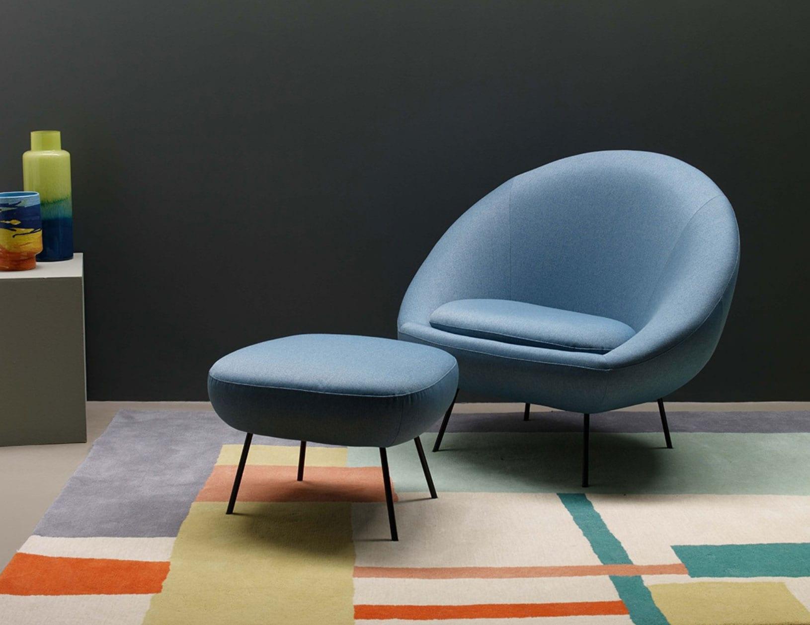 metal leg chair